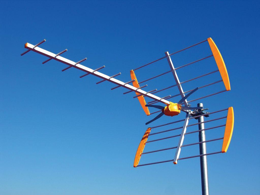 Antenas radiaci n y salud hablando de ciencia for Antenas de tv interiores