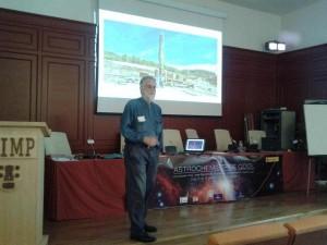 """Ricardo Amils, microbiólogo experto en extremófilos del CBM y el CAB, fue el encargado de cerrar la """"Astrochemistry's Cool""""."""