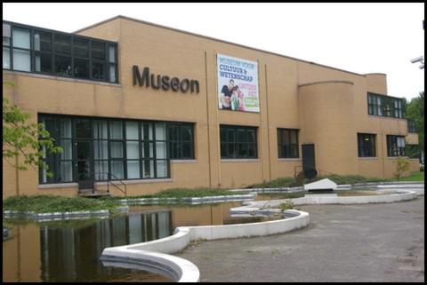 Fachada del Museon en La Haya
